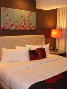 Bedroom at Hutton Hotel (photo by Aaron Dalton)