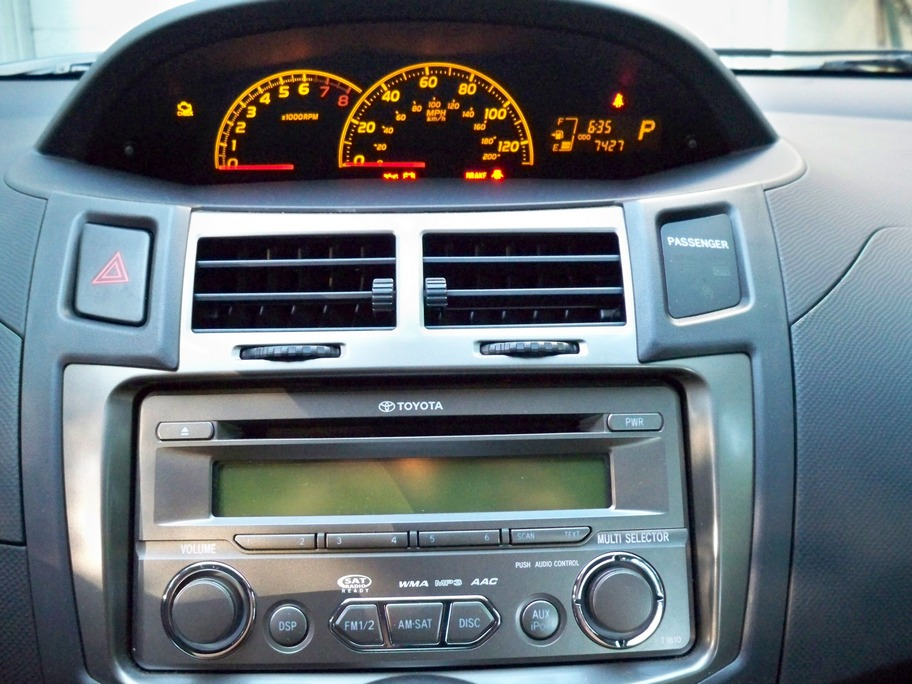 toyota yaris digital instrument panel and stereo console. Black Bedroom Furniture Sets. Home Design Ideas