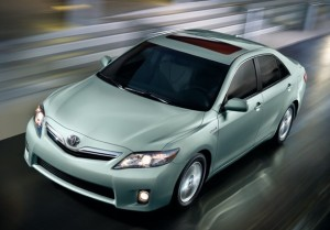 Another view of the 2010 Toyota Camry Hybrid with optional moonroof and fog lamps (photo via Toyota.com)
