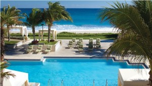 The oceanfront pool at the Four Seasons in Palm Beach (photo via Four Seasons website)